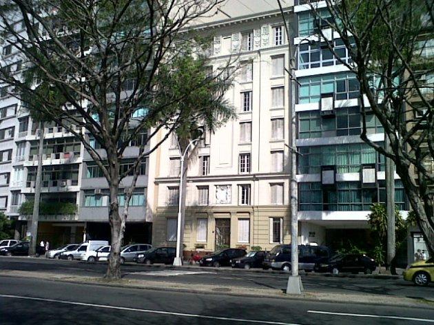 Um ar frances na arquitetura da Praia do Flamengo.