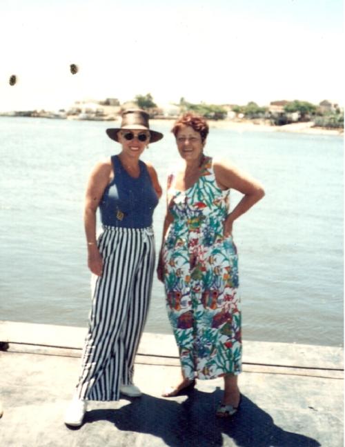 Primeira visita à Vila de Santo André... Balsa aberta, eu e a alegria da Tania...